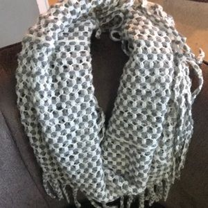 Accessories - EUC Gray and White Fringed Infinity Scarf
